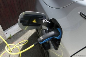 Volvo V60 Plug-In Hybrid - Vivre Auto