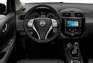 Nissan Pulsar GT intérieur - Vivre Auto