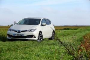 Essai Toyota Auris Hybrid 2015 - Vivre-Auto