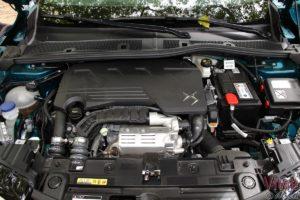 Photo du moteur PureTech 155 sur le DS 3 Crossback